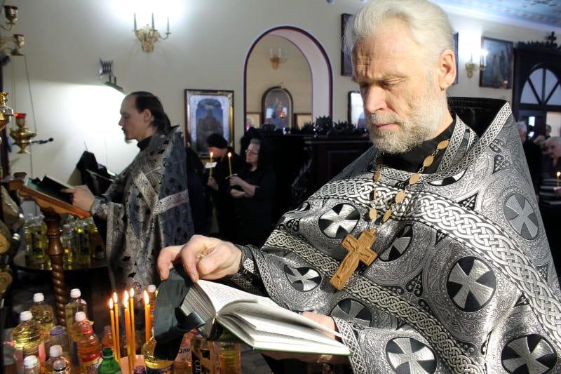 19 марта в храме сщмч. Мефодия епископа Петропавловского совершилось первое соборование в этом 2019 году