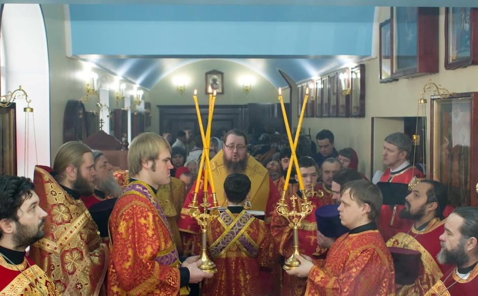 День первого и второго обретения главы Иоанна Предтечи