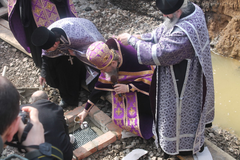 В Петропавловске состоялась закладка краеугольного камня крестильного храма в честь священномученика Мефодия, епископа Петропавловского